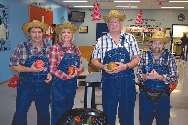 Pictured above are the 'Pin Killers'. Left-right are Richard Veraart, Micheline Veraart, Denis Dentinger and 'Killer' Girard. Their team placed first in the tournament.