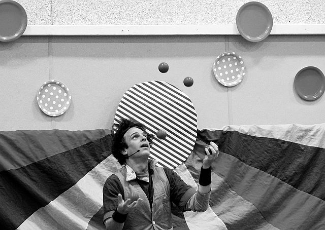entertainer Atlas GéoCircus juggling