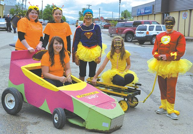 SPORTS – Book your team now for the Honey Festival bee cart race