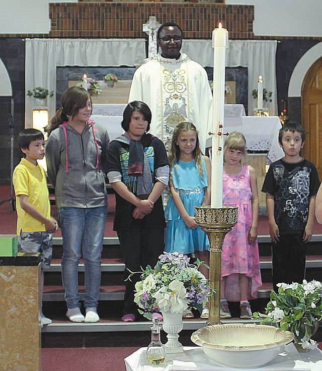 Students who received their First Reconciliation from Left: Justice Noskey-Clalifoux, Sarah Lemke, Trenyce Anderson-Dafoe, Kennedy Garinger, Alyvia Chavis and Kayson Bartram-Soto.