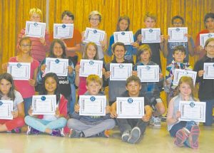 PICS – Ecole Routhier bids farewell to its Grade 6 English and French students