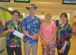 PICs – More photos of the Hawaiian tournament at Smoky Lanes Bowling, the first and second place teams