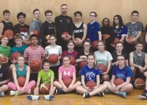 Jamie Brown helps basketball players develop their skills, holds clinic at Georges P. Vanier