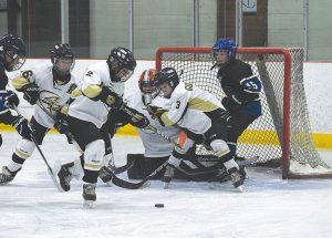 Smoky River Peewee team wins back-to-back games against B.C., Grande Prairie teams