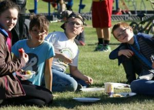 Picnic in the park every Thursday in Peace River