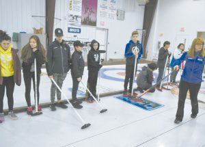 Former Canadian curling champion gives GPV students lessons of the game