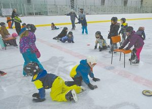 PICs – Ecole Heritage students have fun at Falher arena
