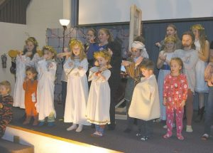 Peace River Alliance Church holds multi-denominational Christmas dinner and play
