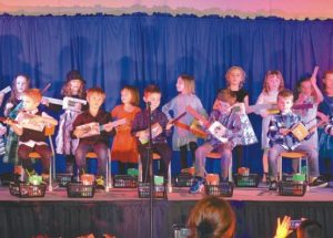 Ecole Heritage celebrates the spirit of season with families and the public