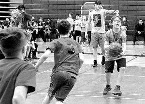 Five schools participate in Grades 4, 5 and 6, basketball tournament