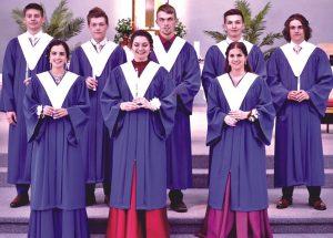 École Héritage Class celebrates graduation
