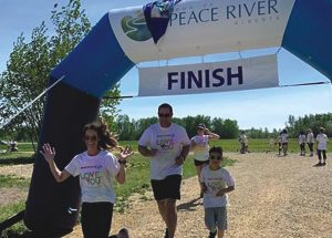 80's Color Me Run raises money for Peace River Women's Shelter