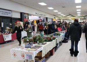PICs – Shoppers pack mall for sweet deals