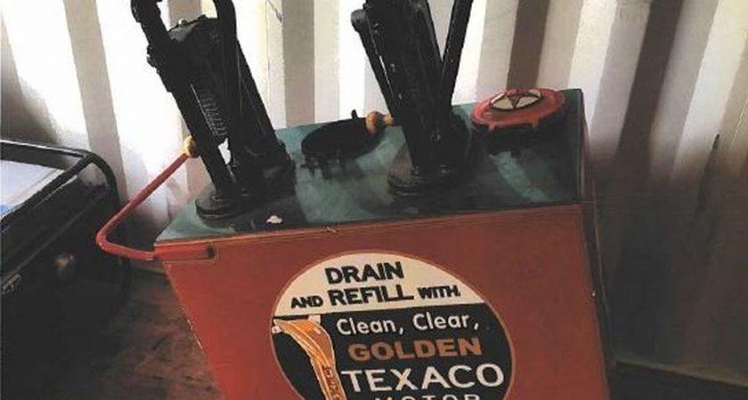 Vintage Texaco oil pump turned in